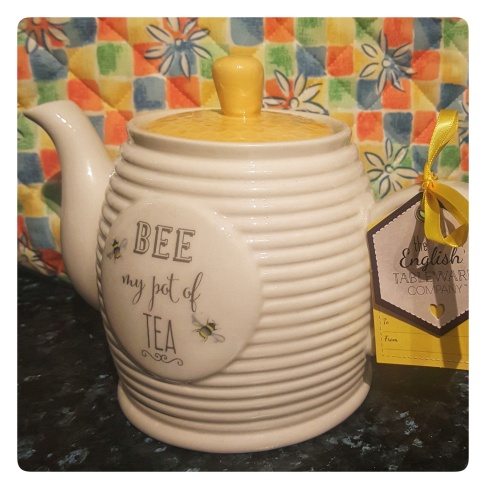 Bee teapot