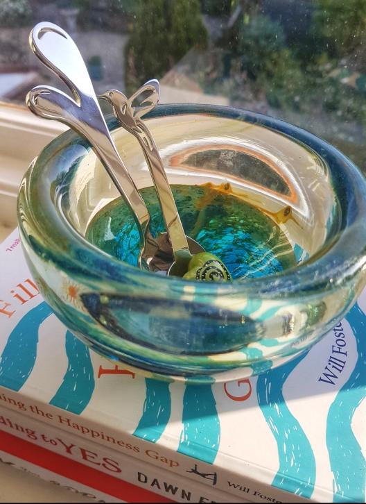 Bowl with reflected shapes (c) Deborah Ann Stott 2019